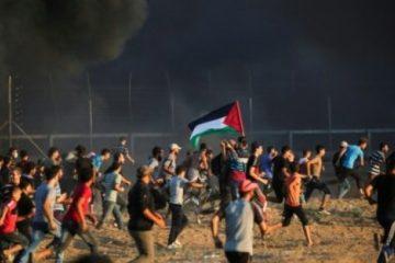 تجدد الاحتجاجات قرب السياج الفاصل بين غزة وإسرائيل ومقتل شاب فلسطيني