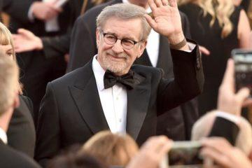 تمكن المخرج العالمي «ستيفن سبيلبرغ»دخول التاريخ من أوسع أبوابة ؛ بعد أن تجاوزت عائدات أفلامه حاجز 10 مليار دولار أمريكي .