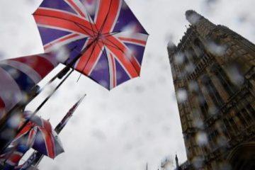 بريطانيا تحصن نفسها من الطلاق الأوروبي باتفاقيات جديدة