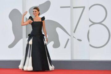 الرئيس الإيطالي ونجوم هوليوود و«أمهات موازيات» في افتتاح «فينيسيا»