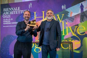 الجناح الوطني للإمارات يفوز بجائزة الأسد الذهبي في «بينالي البندقية»
