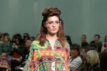 النقوش تميز موديلات «ستيلا جين» بأسبوع الموضة فى ميلانو