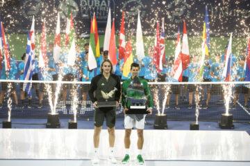 ديوكوفيتش يطيح بـ تسيتسيباس ويُتوج بلقبه الخامس في دولية سوق دبي الحرة للتنس ATP Dubaï